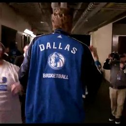 Dirk Nowitzki und die Dallas Mavericks - Featurette Poster