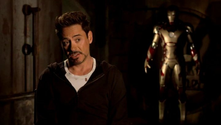 Robert Downey Jr - Tony Stark und Iron Man - über Tony Stark als Identifikationsfigur - OV-Interview Poster