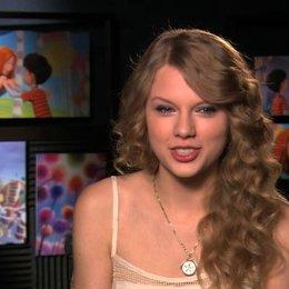 Taylor Swift über die Figuren im Film - OV-Interview Poster