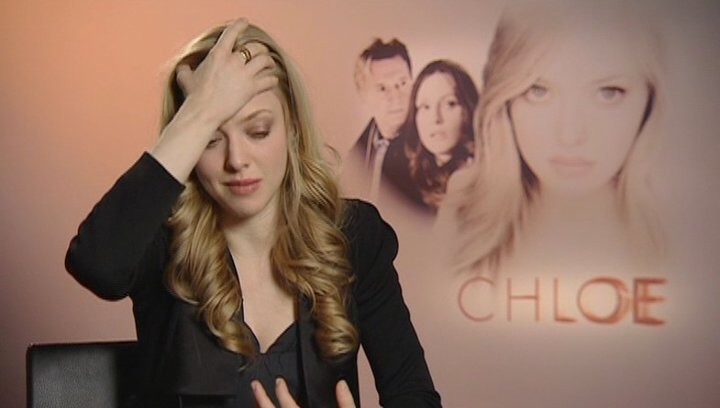 Amanda Seyfried - Chloe / über die Sexszene mit Julianne Moore - OV-Interview Poster