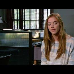 """Emily Wickersham - """"Molly"""" / über ihre Rolle - OV-Interview Poster"""