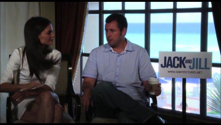 Adam Sandler über die Herausforderung, zwei verschiedene Rollen zu spielen - OV-Interview Poster