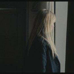 Matthew besucht mit Pauline sein Haus auf dem Land (englisch) - Szene Poster