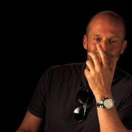 Jason Statham über Parker Jennifer Lopez und Nick Nolte - OV-Interview Poster