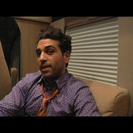 Elyas MBarek über seine Rolle - Interview Poster