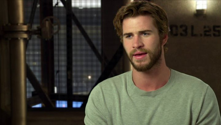 Liam Hemsworth - Gayle Hawthorne - über Gayles Rolle im Film - OV-Interview Poster