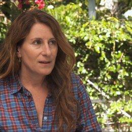 Nicole Holofcener - Autor & Regisseurin - über die Besetzungsauswahl - OV-Interview Poster