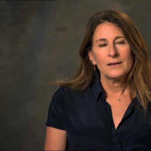 Nicole Holofcener - Autor & Regisseurin - über Catherine Keener als Marianne - OV-Interview Poster