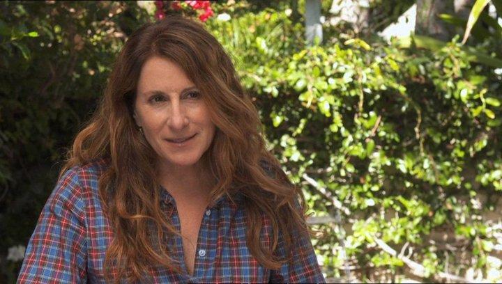 Nicole Holofcener - Autor & Regisseurin - darüber, was sie inspiriert hat die Geschichte zu schreiben - OV-Interview Poster
