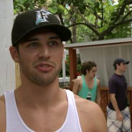 Ryan Guzman - Sean über Miami - OV-Interview Poster