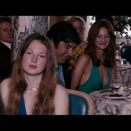 Paul Raymond (Steve Coogan) hält eine Ansprache auf der Hochzeit seiner Tochter Debbie (Imogen Poots) - Szene Poster