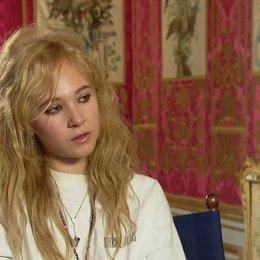 Temple über ihre Rolle - OV-Interview Poster