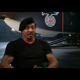 Sylvester Stallone über die eigenen Stunts - OV-Interview Poster