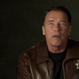 Arnold Schwarzenegger (Ray Owens) über den Humor im Film - OV-Interview Poster