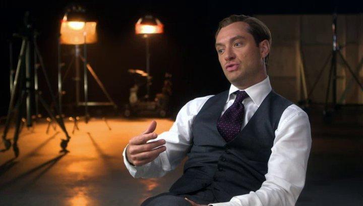 Jude Law über die Aktionszenen im Film - OV-Interview Poster
