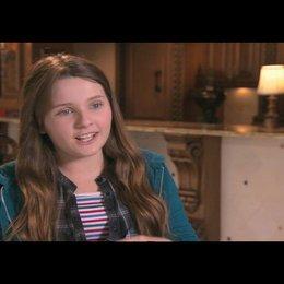 Abigail Breslin über die aufregenden Dreharbeiten - OV-Interview Poster