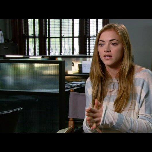 """Emily Wickersham - """"Molly"""" / über den Regisseur - OV-Interview Poster"""