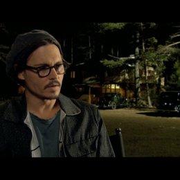 Johnny Depp über die Besetzung - OV-Interview Poster