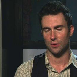 Adam Levine - Dave - über John Carney - OV-Interview Poster