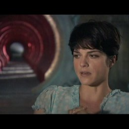 Interview mit Selma Blair (Liz) - OV-Interview Poster