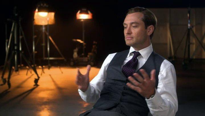 Jude Law über seine Erfahrung beim Drehen des Films - OV-Interview Poster