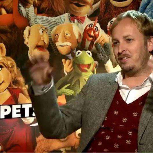 James Robin (Regisseur) über seine erste Erfahrung mit den Muppets - OV-Interview Poster