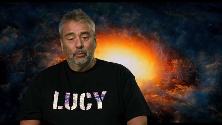 Luc Besson - Regie, Drehbuch und Produktion - über die Entstehung des Filmkonzepts - OV-Interview Poster