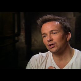 Sean Patrick Flanery (Bobby) über die Fragen die der Film beantwortet - OV-Interview Poster