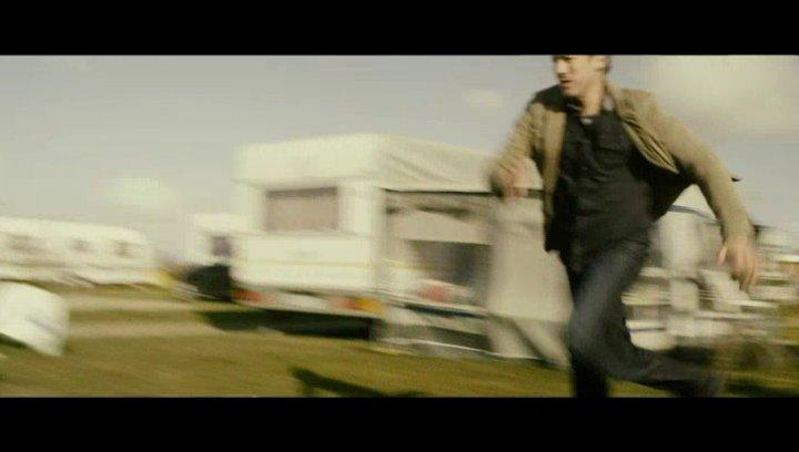 Teaser 5 - Autoverfolgung - Szene Poster