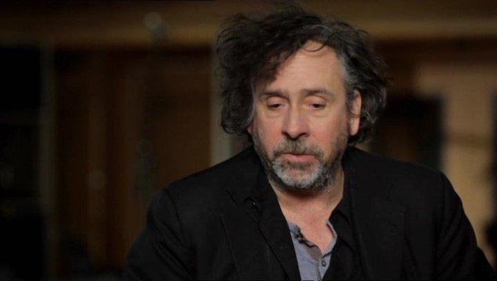 Tim Burton über die Vermischung von Geschichte und Fiction in der Story - OV-Interview Poster