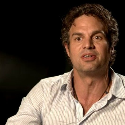 Marc Ruffalo - Bruce Banner - The Hulk über die Beziehung zwischen Bruce Banner und Tony Stark - OV-Interview Poster