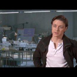 James McAvoy über den Grund Charles Xavier eine Schule für Mutanten zu gründen - OV-Interview Poster