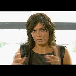 Valeria Solarino darüber eine Rolle in einer wahren Geschichte zu spielen - OV-Interview Poster
