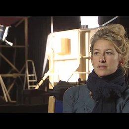 Neele Leana Vollmar (Regie) über Lino Banfis Deutschstunden - Interview Poster