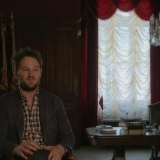Jason Clarke - Anatoli Brodsky - über seine Rolle Anatoli Brodsky - OV-Interview Poster