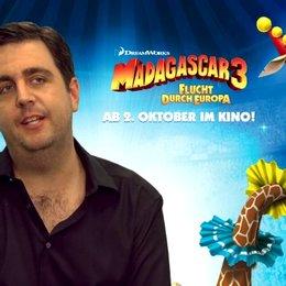 Bastian Pastewka - Melman - über MADAGASCAR in 3D - Interview Poster