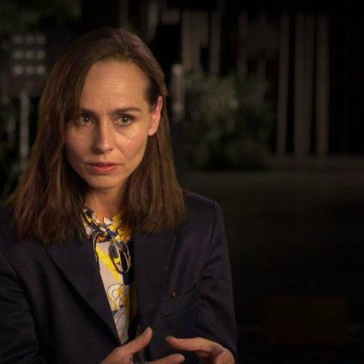 Tara Fitzgerald über die Geschichte des Films - OV-Interview Poster