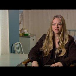 """Amanda Seyfried - """"Jill"""" / über den Film als psychologisches Drama - OV-Interview Poster"""
