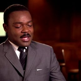 David Oyelowo - Martin Luther King - über Oprah Winfrey als Produzentin und wie sie ihn zu der Rolle ermutigte - OV-Interview Poster
