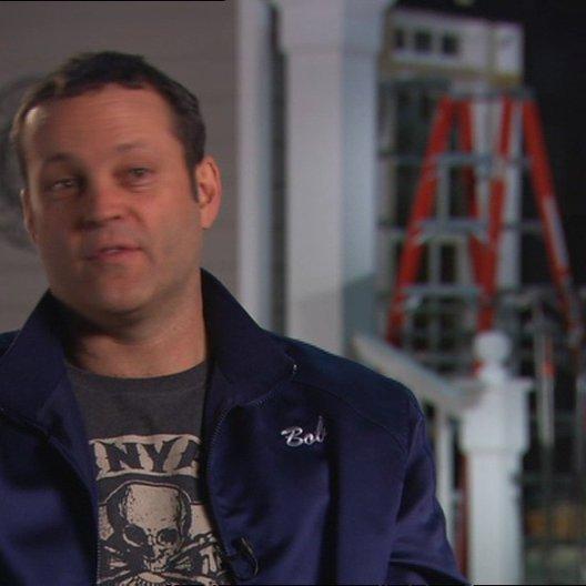 Vince Vaughn - Bob - über die Chemie zwischen ihm und Ben - OV-Interview Poster