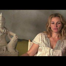 """Julia Roberts (""""Elizabeth """"Liz"""" Gilberts"""") über die Vielschichtigkeit der Rolle - OV-Interview Poster"""