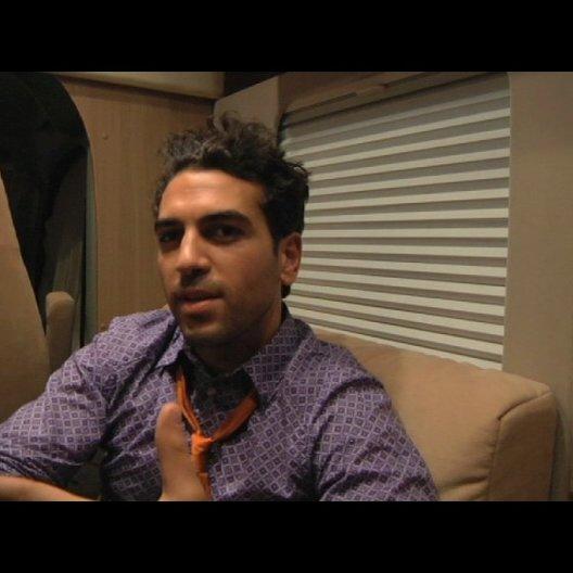 Elyas MBarek über die Identifikation mit seiner Rolle - Interview Poster