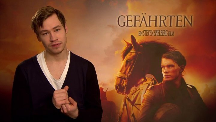 David Kross (Gunther) was den Zuschauer erwartet - Interview Poster