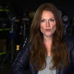 Julianne Moore - Jen Summers - über die Bedeutung ihrer Rolle für die Geschichte - OV-Interview Poster