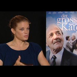 Marie Baeumer / Marie- ueber Gegnerschaft in der Politik - Interview Poster