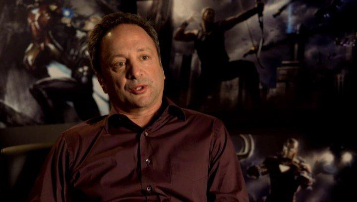 Louis D Esposito - Ausführender Produzent über seine Reaktion zum Drehbuch - OV-Interview Poster