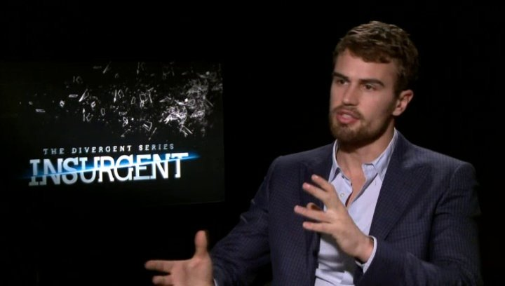 Theo James - Four - über Four - OV-Interview Poster