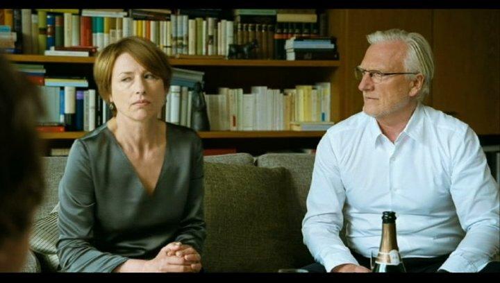 Gitte fordert mehr Respekt von ihrer Familie - Szene Poster