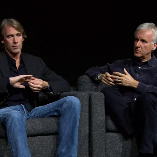 Michael Bay und James Cameron im 3D Talk - OV-Featurette Poster