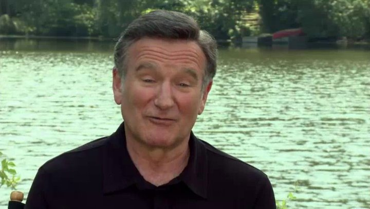 Robin Williams -Father Moinighan- über seine Rolle II - OV-Interview Poster